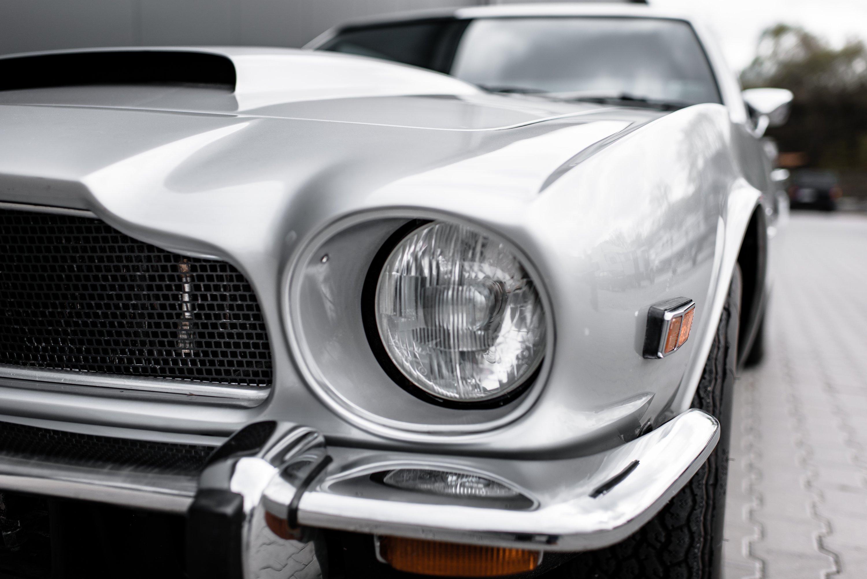 007 lässt grüßen – 74er Aston Martin V8